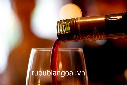lợi ích khi uống rượu vang đỏ
