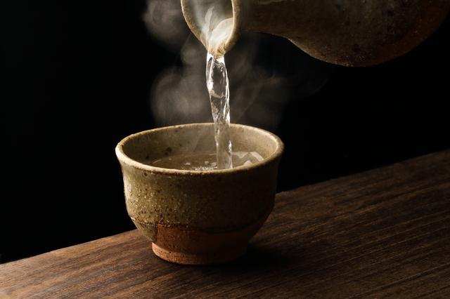 Cách uống rượu sake Nhật Bản