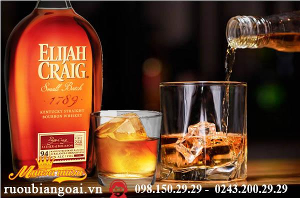 Rượu Elijah Craig Small Batch
